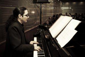 répétitions au piano avec sourdine